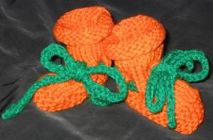 Pumpkin_booties_005